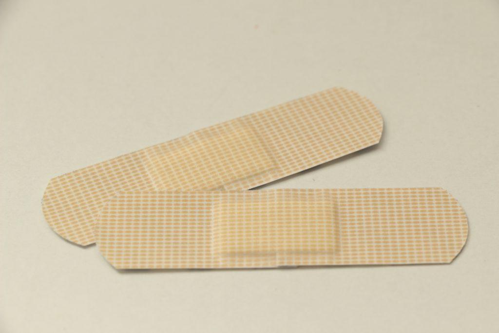 絆創膏の素材