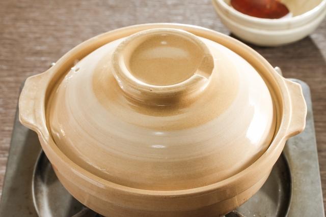 コンロにかけた土鍋